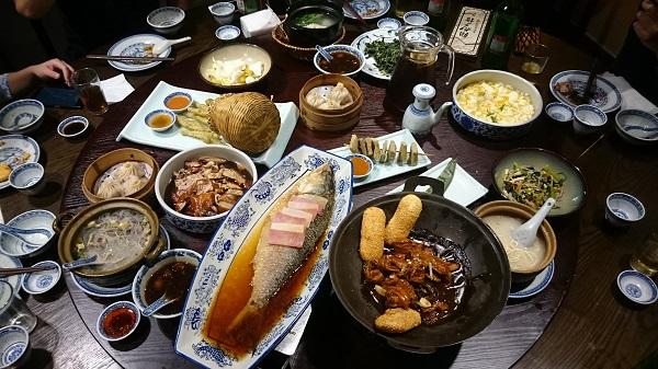 【気弱サラリーマン@上海の食事】火鍋・豚の脳みそ・鴨の血・南翔小籠包・帯魚・ドリアン