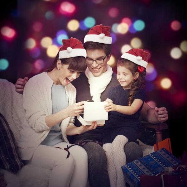 【クリスマスプレゼントの渡し方】子供をサプライズで感動させる方法