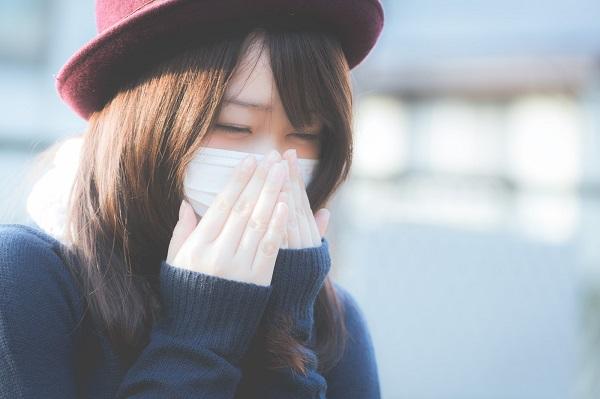 市販薬だけで花粉症による鼻水鼻づまりと目の痒みを予防・緩和する方法