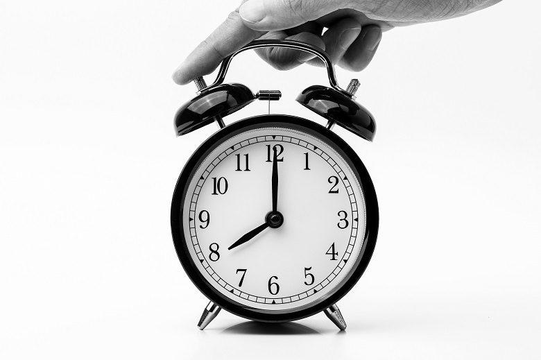 【副業時間ストック術】会社の拘束時間を有給休暇1ヶ月分減らす方法